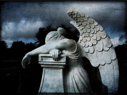ange qui pleure.jpg